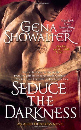 Seduce-the-Darkness-Alien-Huntress-Book-4-0